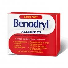 Boîte de caplets du médicament antiallergique Benadryl Extra-puissant